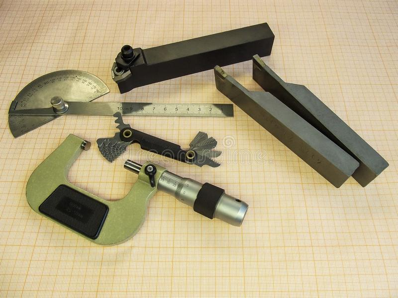 Mikrometer, Instrument bei der Metallmaschinellen bearbeitung lizenzfreie stockfotos