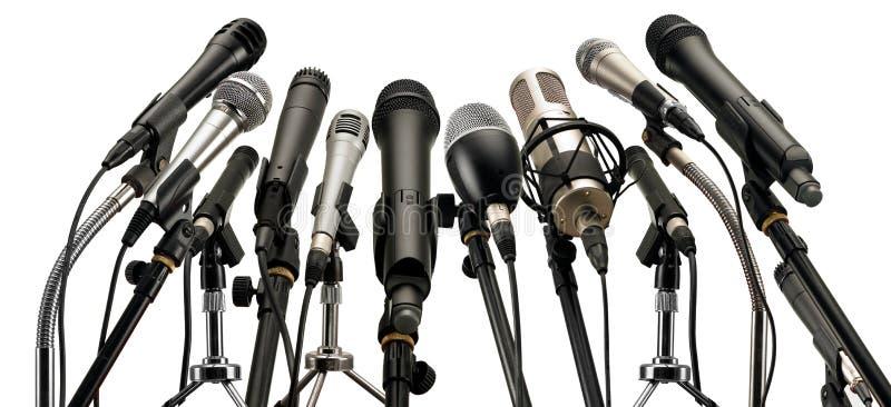Mikrophone auf Podium lizenzfreies stockbild