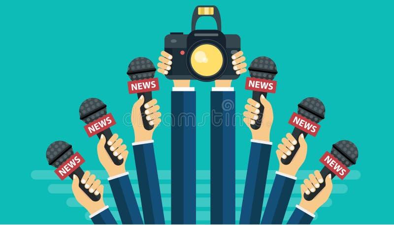 Mikrophone in den Reporterhänden Satz von den Mikrophonen und von Kamera lokalisiert auf grünem Hintergrund Massenmedien, Fernseh lizenzfreie abbildung