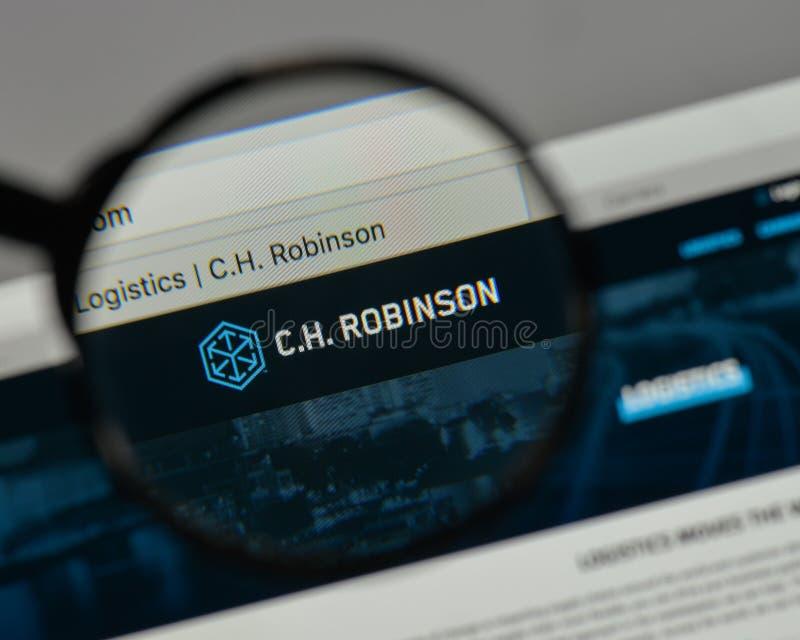 Milán, Italia - 10 de agosto de 2017: C H Logotipo de Robinson Worldwide encendido fotografía de archivo
