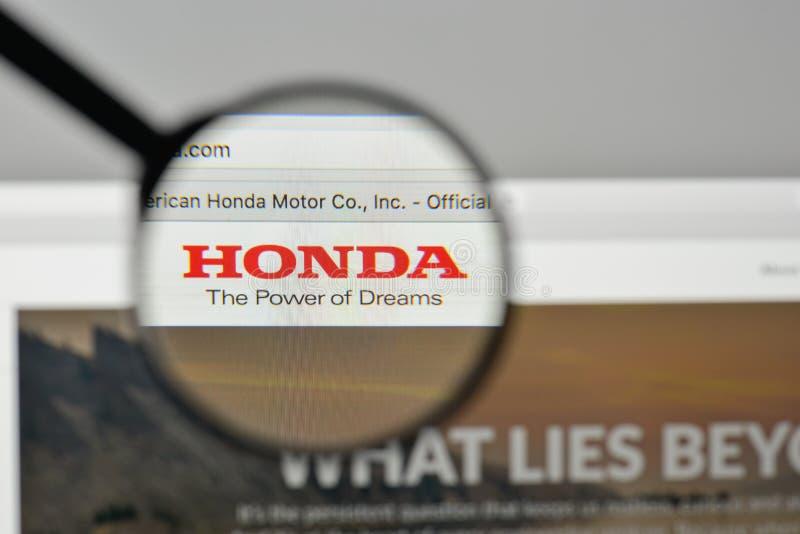 Milán, Italia - 1 de noviembre de 2017: Logotipo de Honda en el homep del sitio web fotos de archivo
