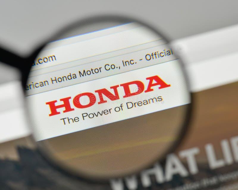 Milán, Italia - 1 de noviembre de 2017: Logotipo de Honda en el homep del sitio web fotos de archivo libres de regalías