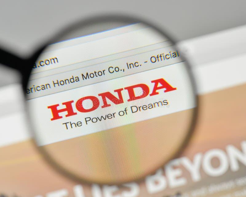 Milán, Italia - 1 de noviembre de 2017: Logotipo de Honda en el homep del sitio web fotografía de archivo