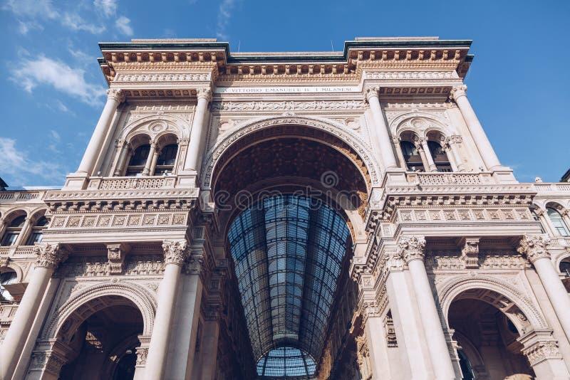 MILÁN, ITALIA - NOVIEMBRE DE 2018 galería Milano de Manuel ii del vittorio fotografía de archivo libre de regalías