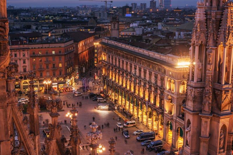 Milán, Italia: vista aérea del cuadrado de la catedral, Piazza del Duomo imagen de archivo libre de regalías