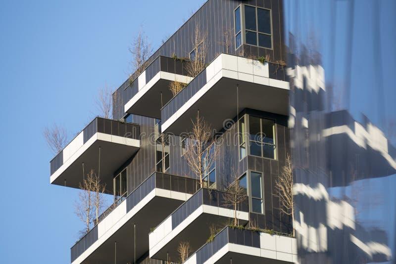 Milão, construção moderna imagens de stock royalty free