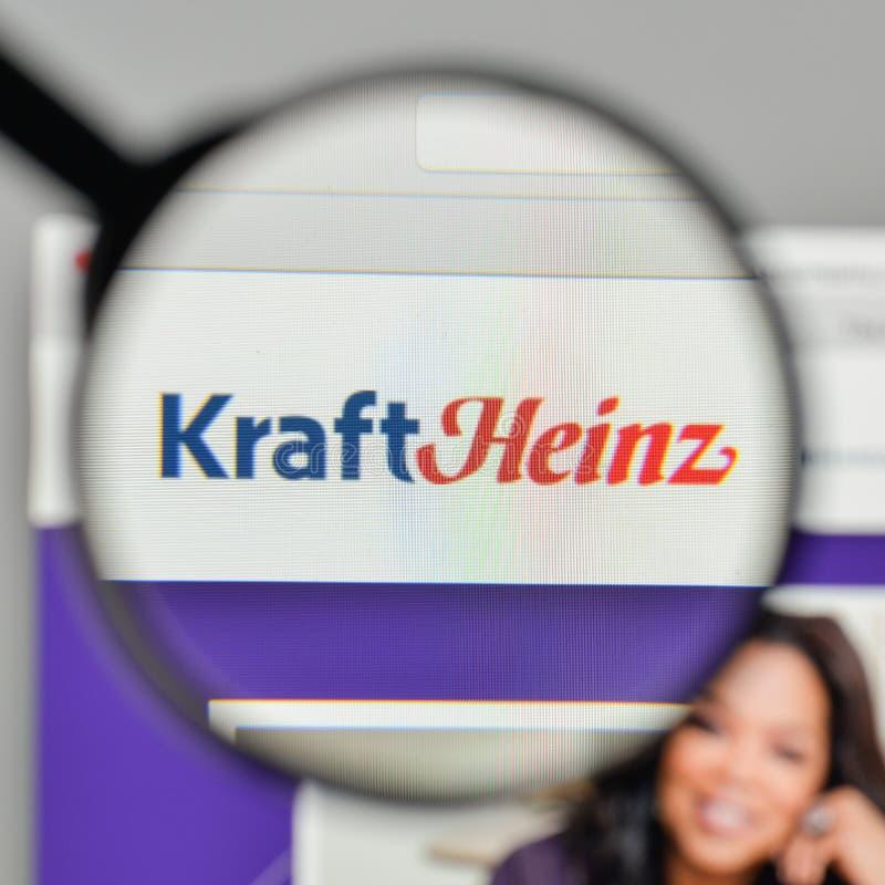 Milão, Itália - 1º de novembro de 2017: Logotipo de Kraft Heinz no Web site imagem de stock