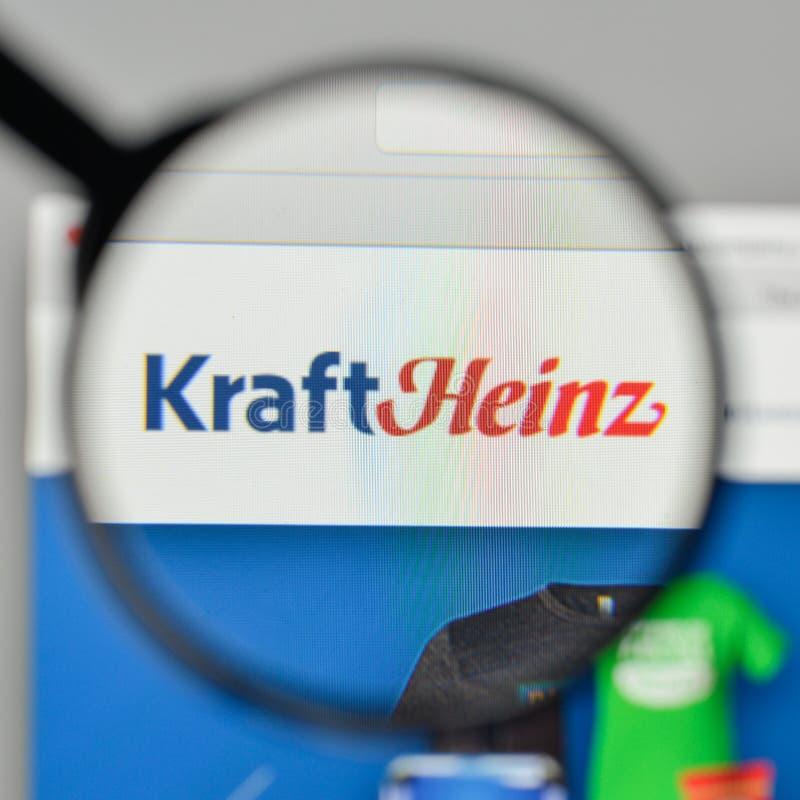 Milão, Itália - 1º de novembro de 2017: Logotipo de Kraft Heinz no Web site fotos de stock royalty free