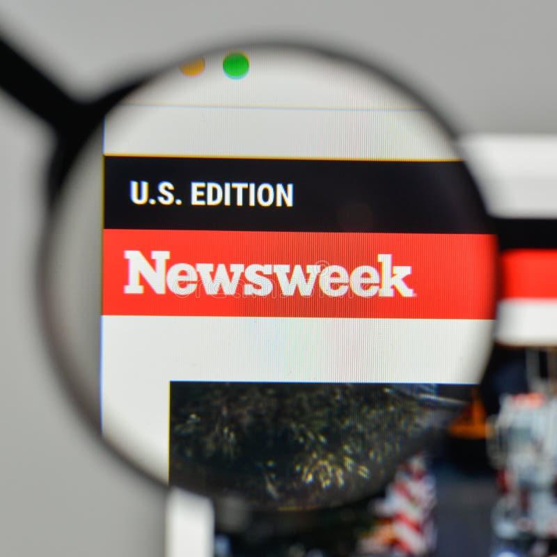 Milão, Itália - 1º de novembro de 2017: Logotipo de Newsweek no Web site ho imagem de stock