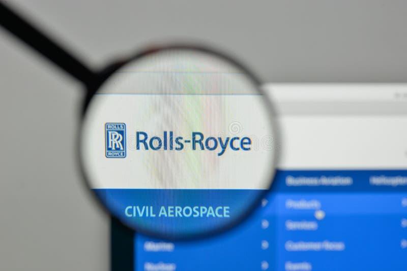Milão, Itália - 1º de novembro de 2017: Logotipo o de Rolls Royce Aerospaceand fotografia de stock