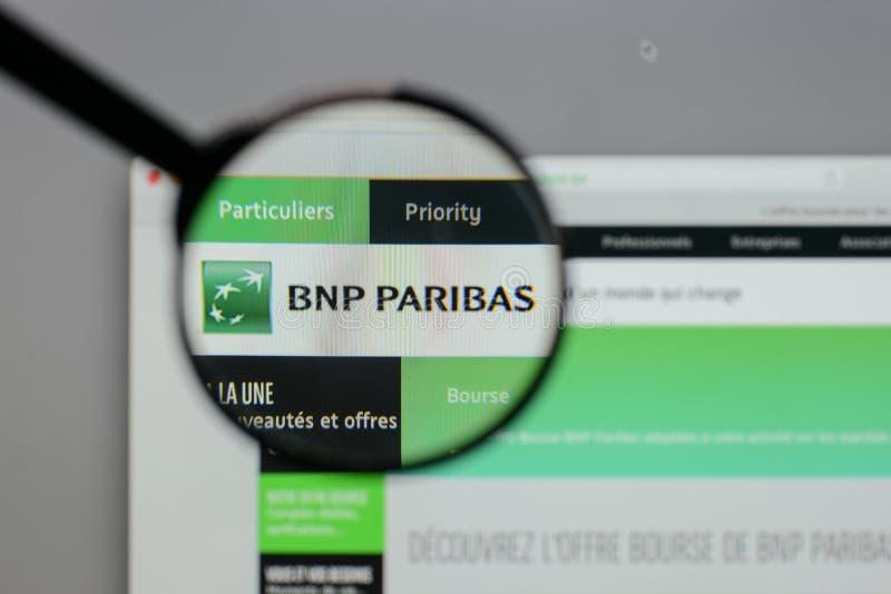 Milão, Itália - 10 de agosto de 2017: Logotipo de BNP Paribas no Web site fotografia de stock royalty free