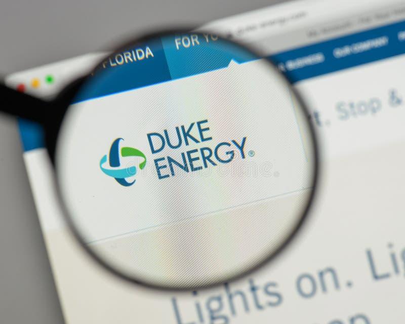 Milão, Itália - 10 de agosto de 2017: Logotipo de Duke Energy no Web site foto de stock