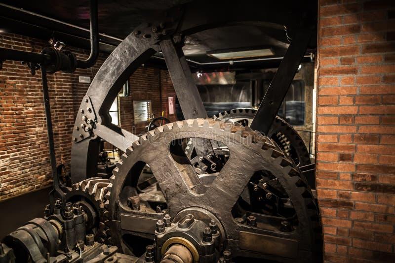 MILÃO, ITÁLIA - 9 DE JUNHO DE 2016: exposição velha da fábrica no Scien fotografia de stock