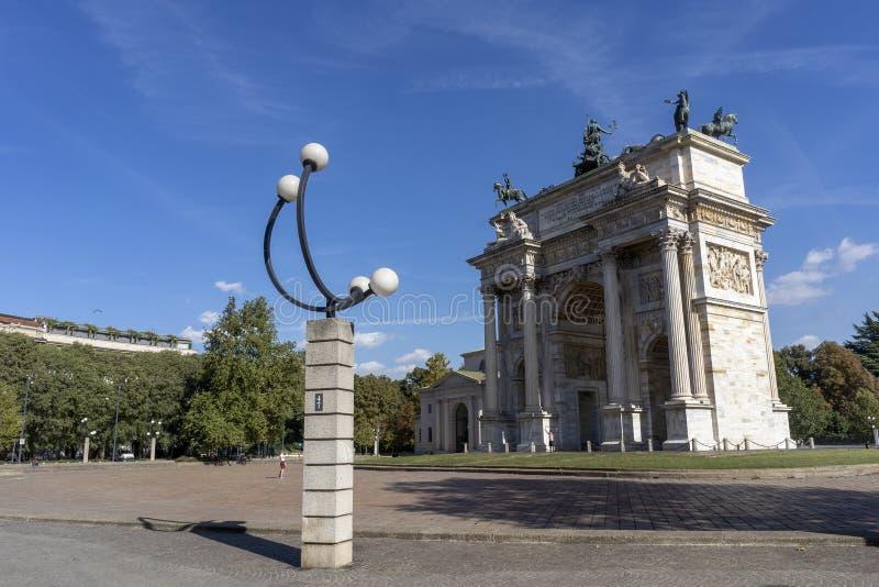 Milão, Itália: Ritmo do della de Arco foto de stock