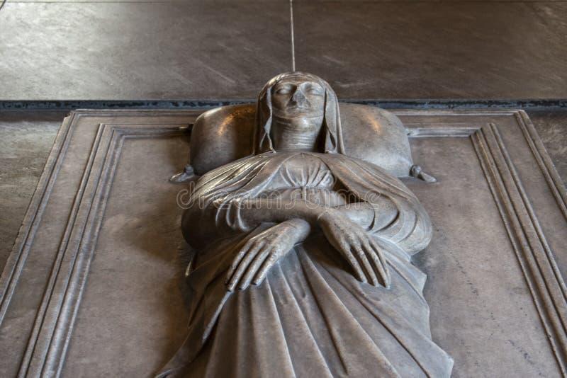 Mil?n, Italia, Europa, castillo de Sforza, Castello Sforzesco, museo del arte antiguo, antica del arte de Museo d ?, ilustracione foto de archivo