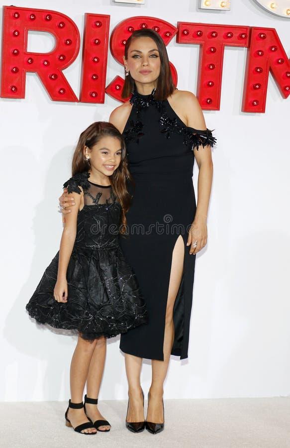 Mila Kunis et Ariana Greenblatt images libres de droits