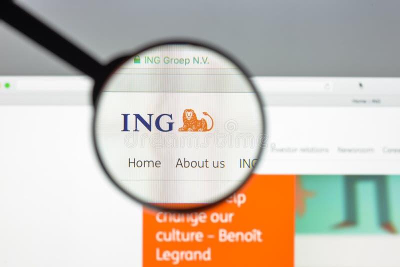 Milaan, Italië - Augustus 10, 2017: ING-de websitehomepage van de groepsbank stock foto