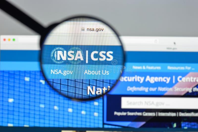 Milaan, Italië - Augustus 10, 2017: NSA-websitehomepage Het nationa stock afbeelding