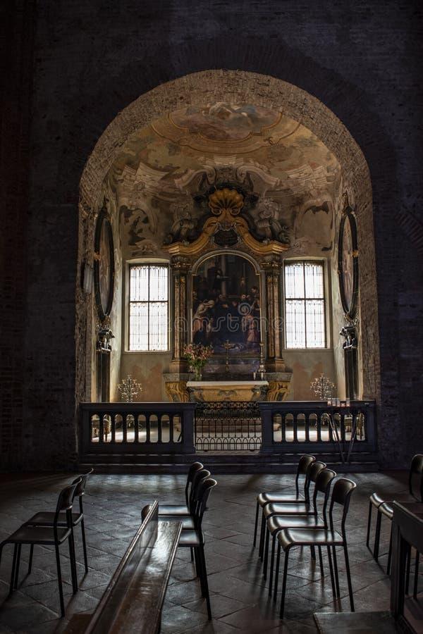 Milaan, Italië, Europa, Basiliek van San Simpliciano, kerk, kapel, kunst, Renaissance, bank, massa, kunst, architectuur royalty-vrije stock foto's