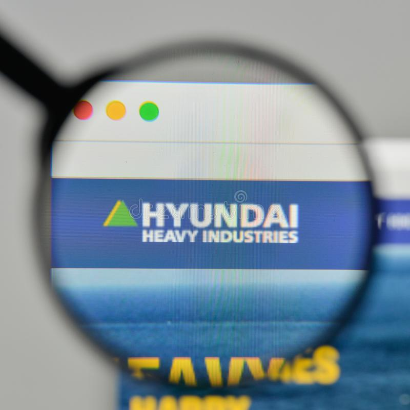 Milaan, Italië - November 1, 2017: Hyundai-Zware industrieënembleem o stock afbeelding
