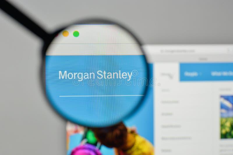 Milaan, Italië - November 1, 2017: Morgan Stanley-embleem op de Web stock foto's