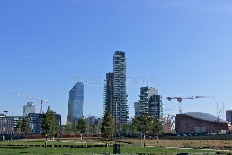 Milaan, Itali? 21 maart 2019 Woon complex van Torre Solaria, Torre-Aria en Torre Solea royalty-vrije stock afbeelding