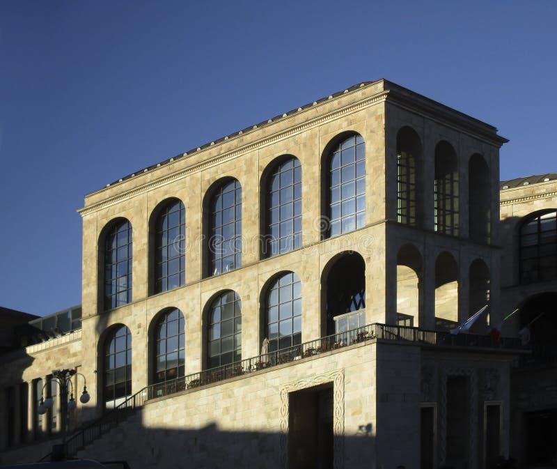 Milaan, Museum van de xx eeuw stock fotografie