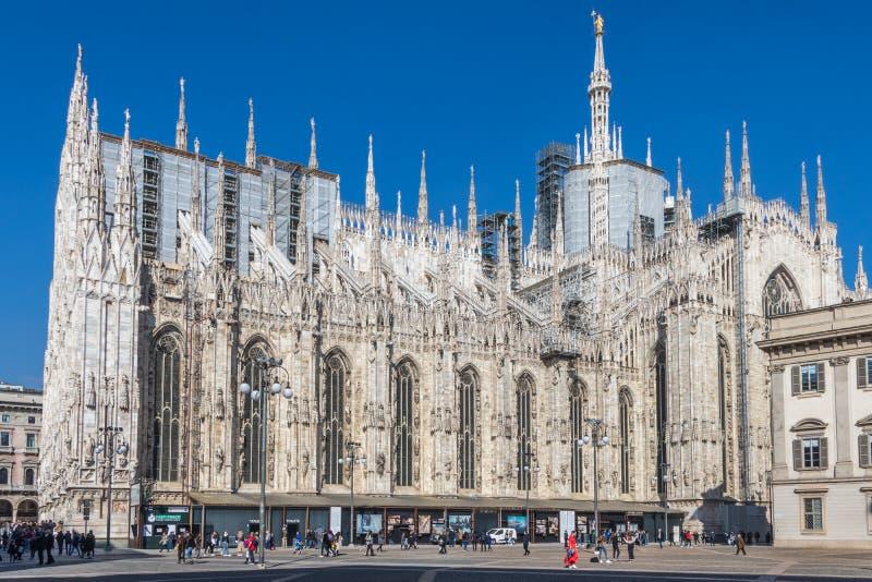 Milan överdådiga gotiska domkyrka, Italien royaltyfri bild