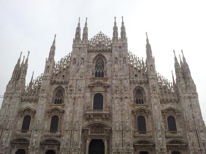Milan Cathedral eller Duomodina Milano i italienare arkivbilder