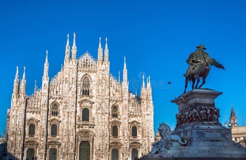 Milan Cathedral, Piazza del Duomo alla notte fotografia stock libera da diritti