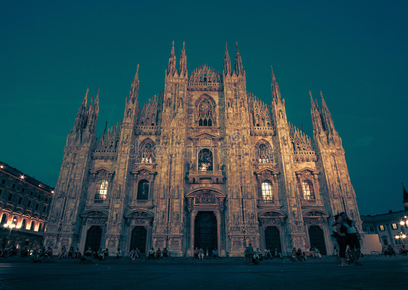 Milan Cathedral, Piazza Duomo na noite, Milão, Lombardy, Itália foto de stock