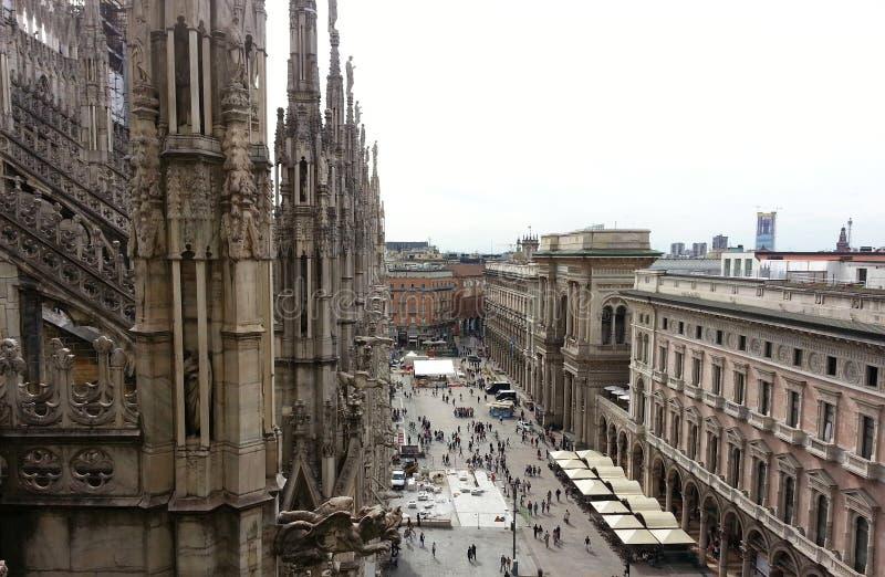 Milan Cathedral, vista sul quadrato immagine stock libera da diritti
