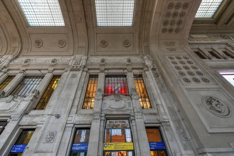 Milan Central Station - Italia imagenes de archivo