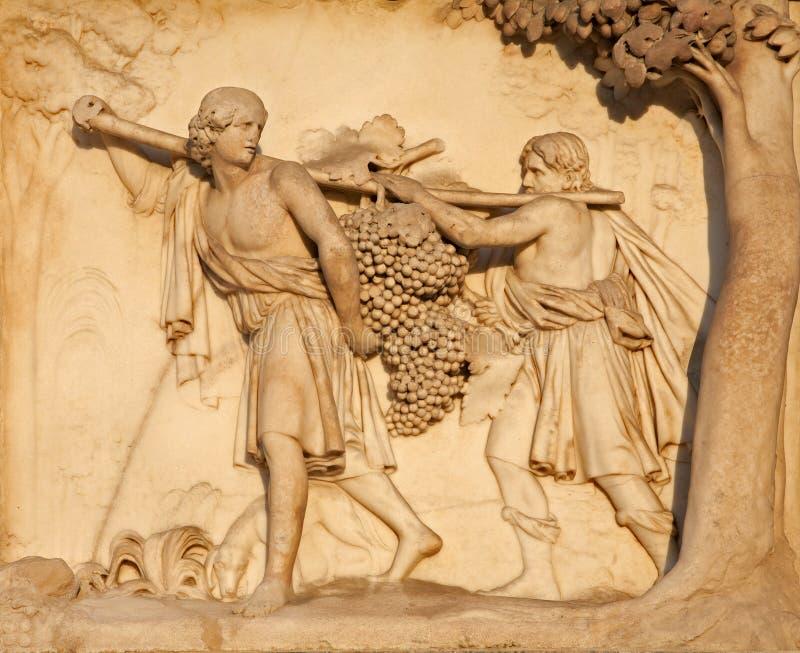 Download Milan - Detail From Facade Of Duomo Stock Photo - Image: 21518654