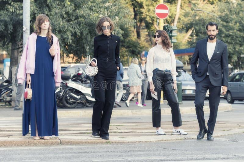 Download Milan Fashion Week 2017 foto editorial. Imagen de barba - 100527756