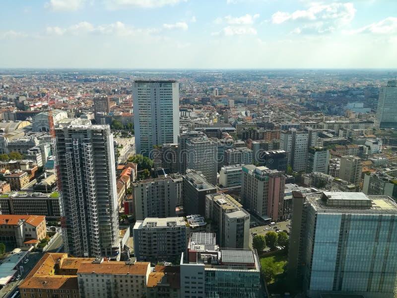 Milan flyg- sikt Milano stad, Italien arkivfoton