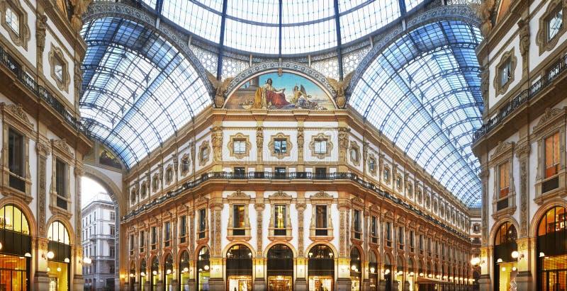 Milan Galleria Vittorio Emanuele II arkivbild