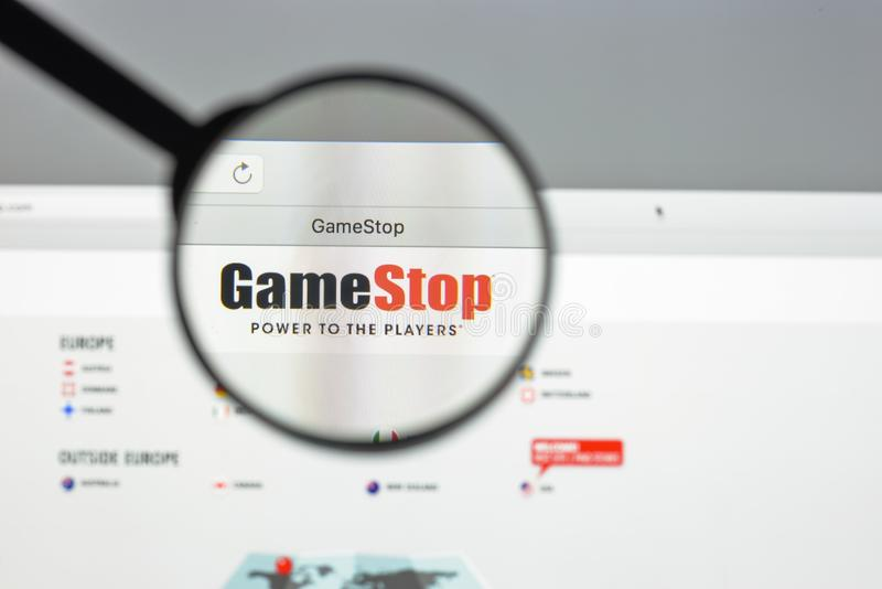 Milan, Italie - 10 août 2017 : Gamestop page d'accueil de site Web de COM I image stock
