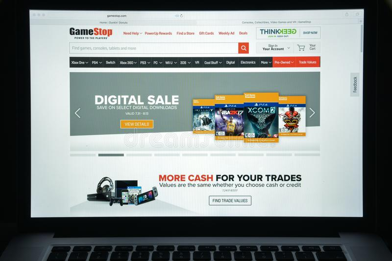 Milan, Italie - 10 août 2017 : Gamestop page d'accueil de site Web de COM I photo stock