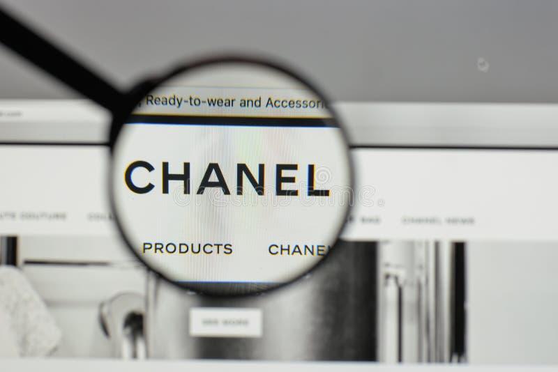 Milan, Italie - 10 août 2017 : Logo de Chanel sur la maison de site Web photographie stock