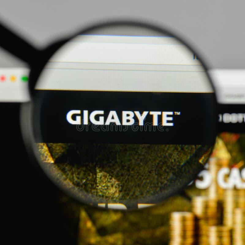 Milan, Italie - 10 août 2017 : Logo de gigaoctet sur le hom de site Web photos libres de droits