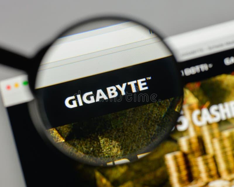 Milan, Italie - 10 août 2017 : Logo de gigaoctet sur le hom de site Web image stock