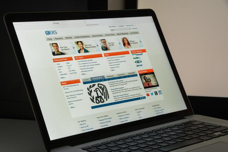 Milan, Italie - 10 août 2017 : Page d'accueil de site Web d'IRS C'est le service de revenu du gouvernement fédéral des Etats-Unis photo libre de droits