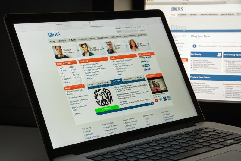 Milan, Italie - 10 août 2017 : Page d'accueil de site Web d'IRS C'est le service de revenu du gouvernement fédéral des Etats-Unis photo stock