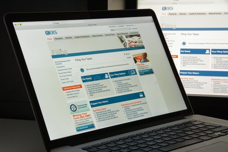 Milan, Italie - 10 août 2017 : Page d'accueil de site Web d'IRS C'est le service de revenu du gouvernement fédéral des Etats-Unis photos libres de droits