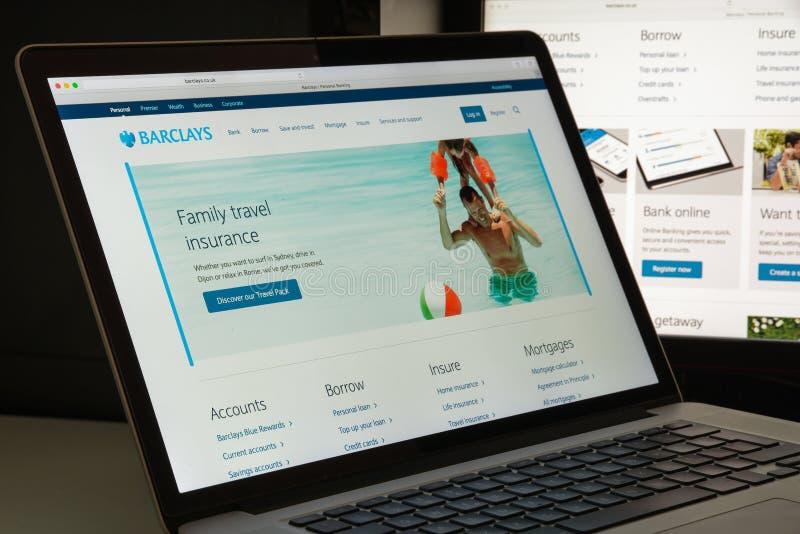 Milan, Italie - 10 août 2017 : Page d'accueil de site Web de la banque Barclays images libres de droits