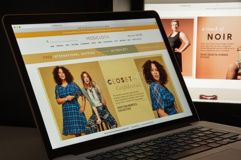 Milan, Italie - 10 août 2017 : Page d'accueil de site Web de Modcloth Il est image libre de droits