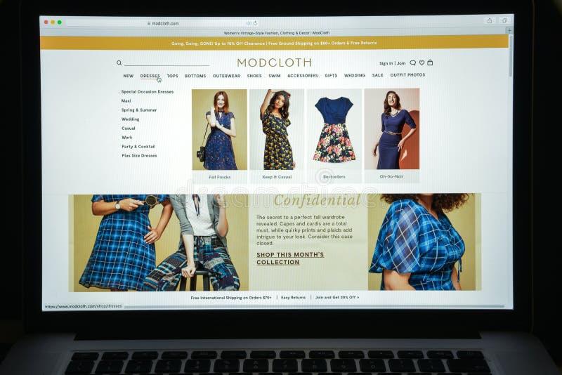Milan, Italie - 10 août 2017 : Page d'accueil de site Web de Modcloth Il est images stock