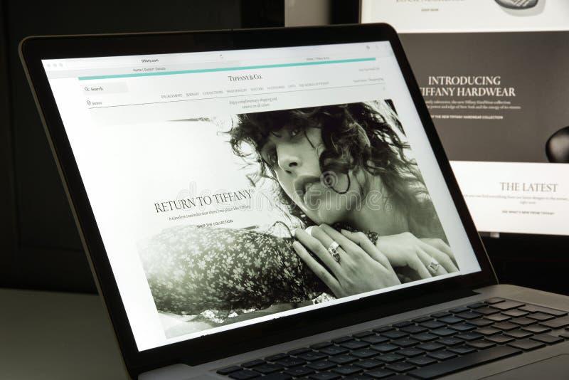 Milan, Italie - 10 août 2017 : Page d'accueil de site Web de Tiffany Il est image libre de droits