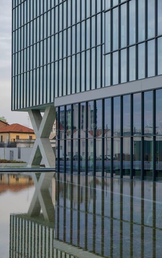Milan, ITALIE architecture moderne EN FÉVRIER 2019 dans la nouvelle place Adriano Olivetti dans les sud de la ville, reconstructi images stock